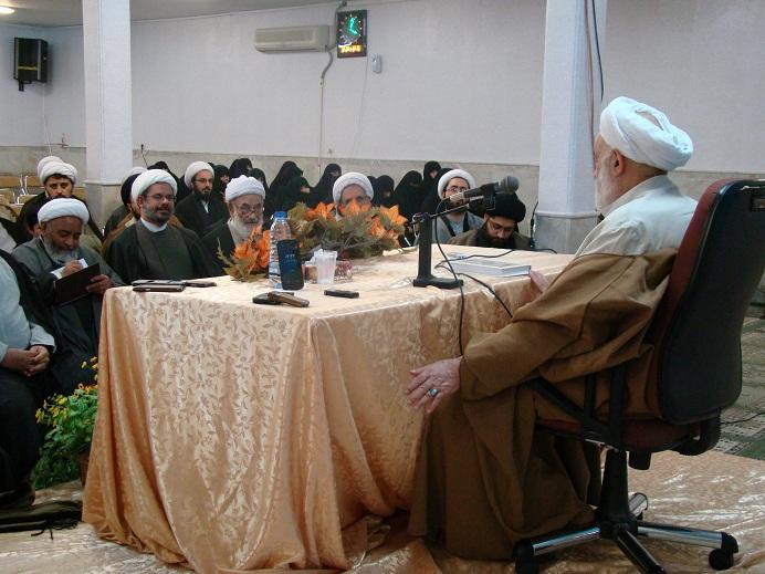 حجت الاسلام و المسلمین قرائتی